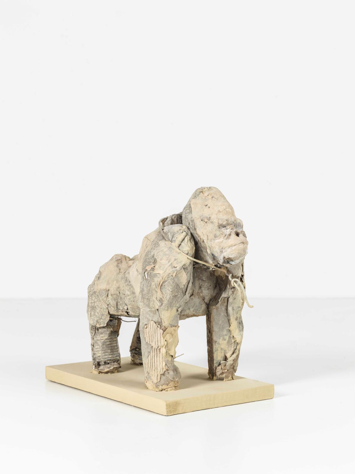 Gorille, 2020 Sculpture technique mixte 16 x 25 x 30 cm, DP074 ©Denis Polge
