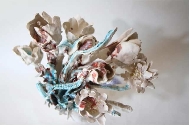 Bouquet blanc vert, 2019 Céramique 45 H x 40 diam cm, BC-1924 ©BACHELOT&CARON (collection privée)