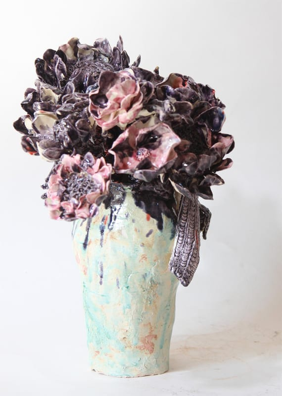 Bouquet violet, 2019 Céramique 40 H x 28 diam cm, BC-1926 ©BACHELOT&CARON
