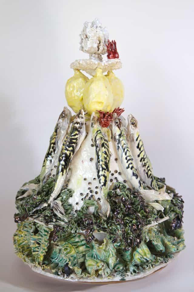 Gâteau d'algues et maquereaux, 2020 Céramique 60 x 44 cm, BC-2006 ©BACHELOT&CARON