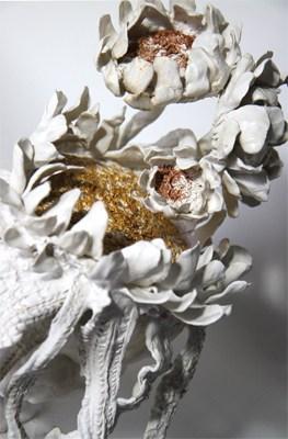Bouquet Tournesol 7, 2018 Céramique H 43 x D 37 cm, BC-CER1804 ©BACHELOT&CARON