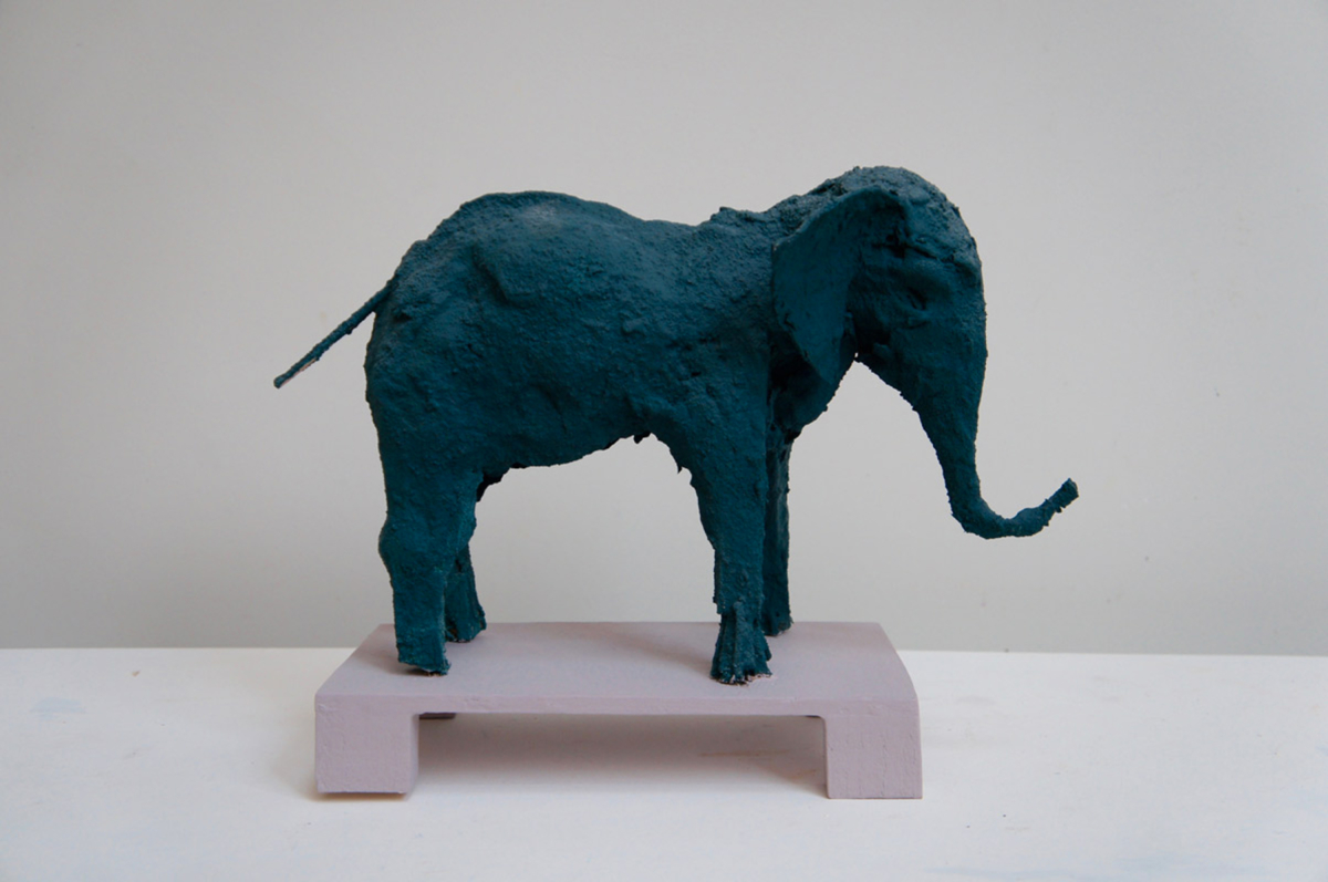 Elephant bleu vert Technique mixte 27 x 10 x 25 cm, DP029 ©Denis Polge