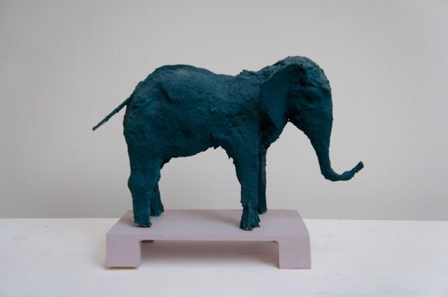 Elephant bleu vert Technique mixte 27 x 10 x 25 cm, DP029 ©Denis Polge
