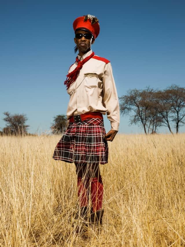 Hereros #17, Namibie 2017 Photographie Fine Art print sur papier Hahnemühle 80 x 100 cm, SG-HE17 ©STEPHAN GLADIEU