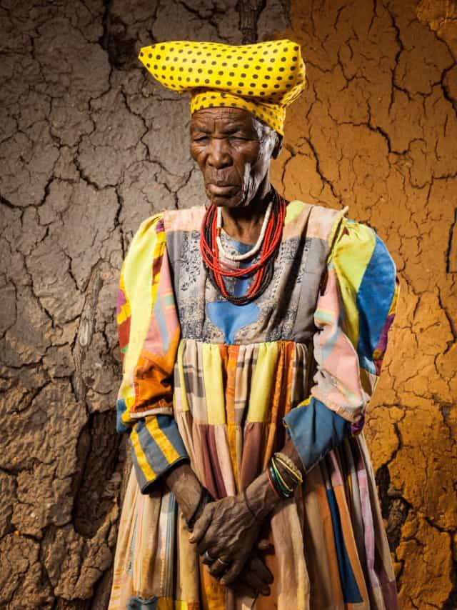 Hereros #28, Namibie 2017 Photographie Fine Art print sur papier Hahnemühle 80 x 100 cm, SG-HE28 ©STEPHAN GLADIEU