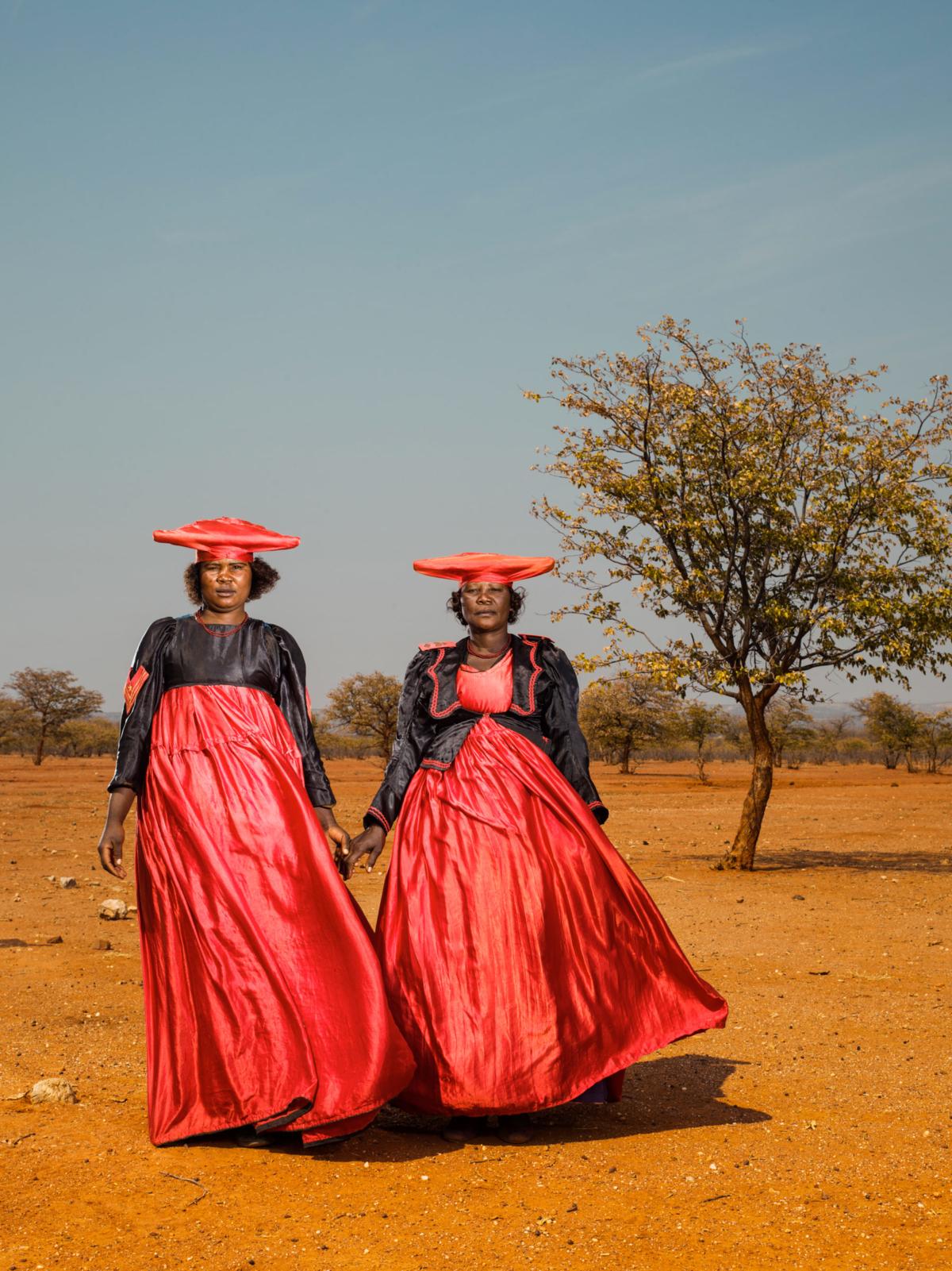 Hereros #36, Namibie 2017 Photographie Fine Art print sur papier Hahnemühle 80 x 100 cm, SG-HE36 ©STEPHAN GLADIEU