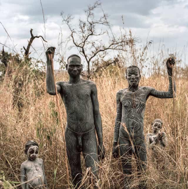 Surmas #3, Ethiopie, 2011 Photographie Fine Art print sur papier Hahnemühle 100 x 100 cm, SG-SU03 ©Stephan Gladieu