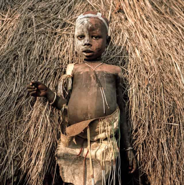 Surmas #5, Ethiopie, 2011 Photographie Fine Art print sur papier Hahnemühle 100 x 100 cm, SG-SU05 ©Stephan Gladieu