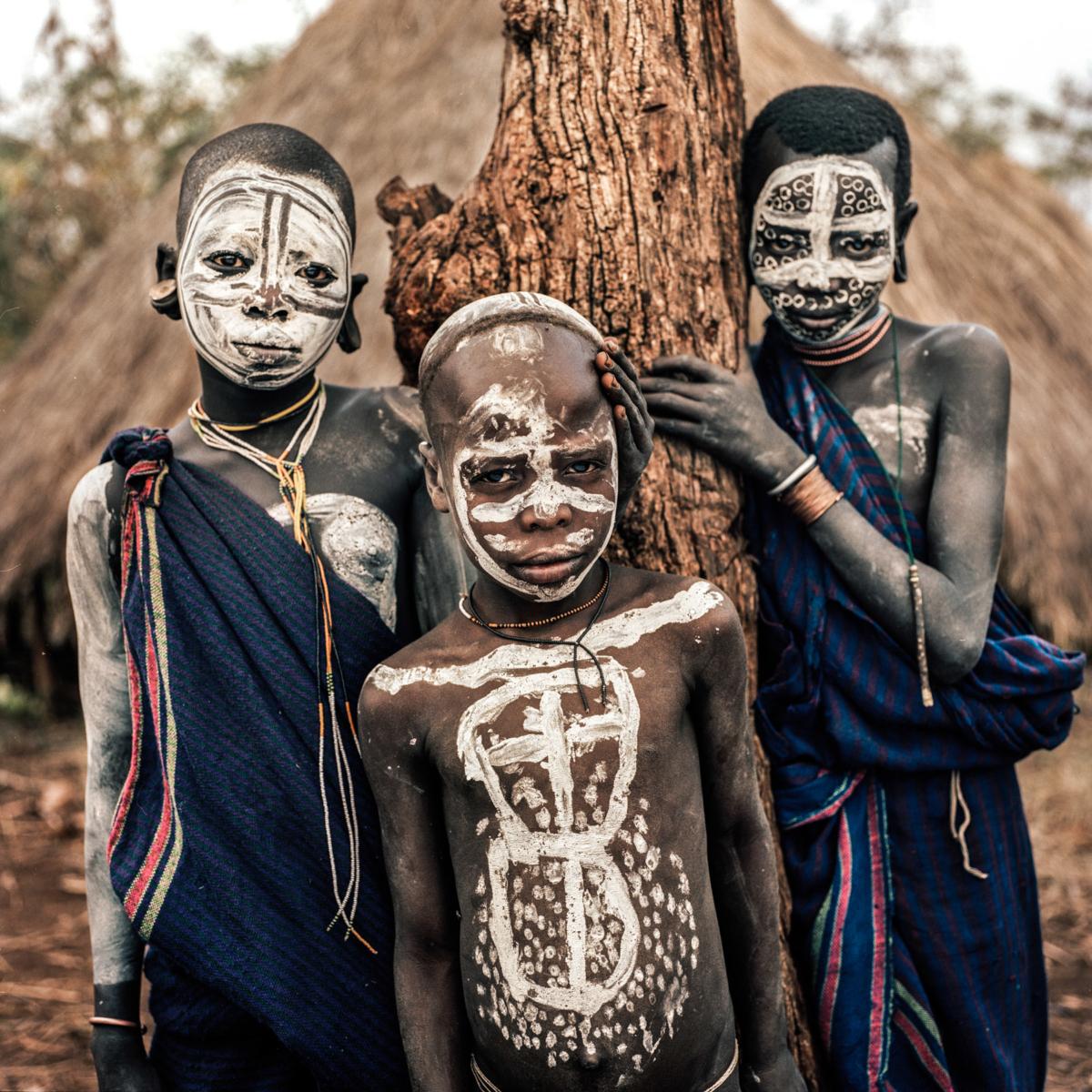 Surmas #14, Ethiopie, 2011 Photographie Fine Art print sur papier Hahnemühle 100 x 100 cm, SG-SU14 ©Stephan Gladieu