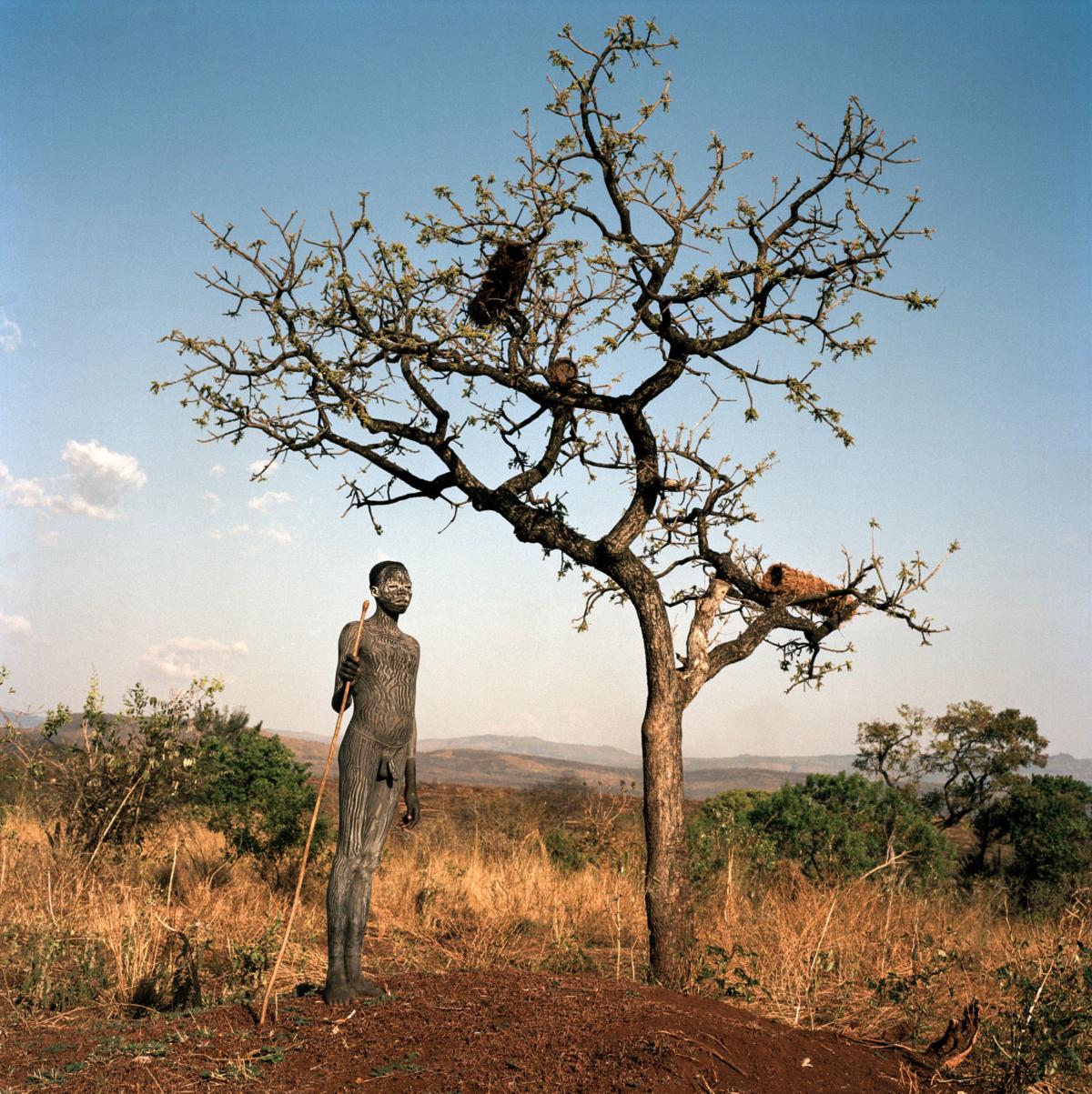 Surmas #15, Ethiopie, 2011 Photographie Fine Art print sur papier Hahnemühle 100 x 100 cm, SG-SU15 ©Stephan Gladieu