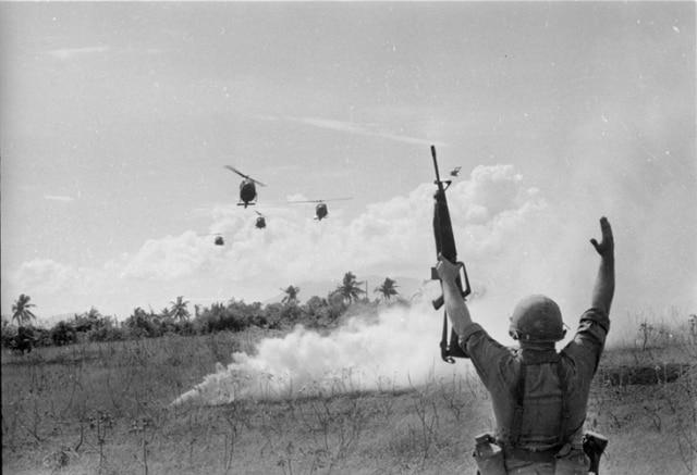 Première division hélico, Guerre du Vietnam, décembre 1967, GC-06035-03A ©Fondation Gilles Caron