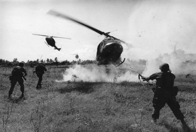 Première division hélico, Guerre du Vietnam, décembre 1967, GC-06036-29 ©Fondation Gilles Caron