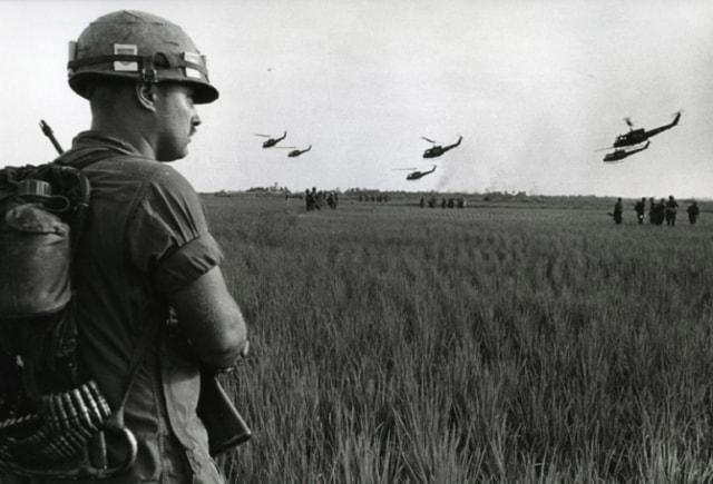 Division Hélico, Guerre du Vietnam, décembre 1967, GC-06108-28 ©Fondation Gilles Caron