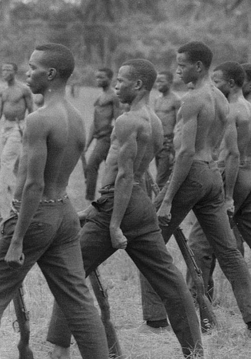 L'entraînement des soldats biafrais, Sécession de la province du Biafra, Nigéria, juillet 1968, GC-9528-12 ©Fondation Gilles Caron