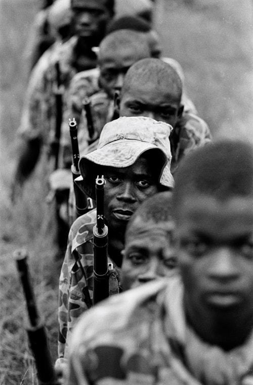 Soldats de l'armée biafraise, Sécession de la province du Biafra, Nigéria, novembre 1968, GC-12060_7A ©Fondation Gilles Caron