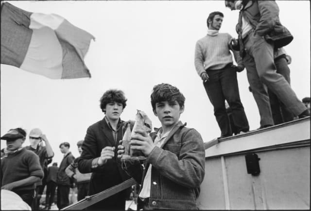 Manifestation des catholiques, Irlande du Nord, août 1969, GC-16441-015 ©Fondation Gilles Caron