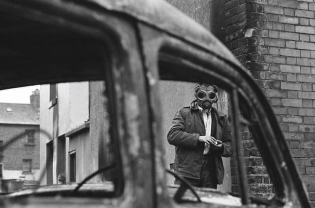 Manifestant catholique, Londonderry, Irlande du Nord, août 1969, GC-16435-21 ©Fondation Gilles Caron