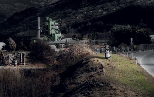Estelle, série My Sentimental Archives, 2011, photographie pigment print, 130 x 205 cm édition 8 + 2 EA ©Nicolas Dhervillers