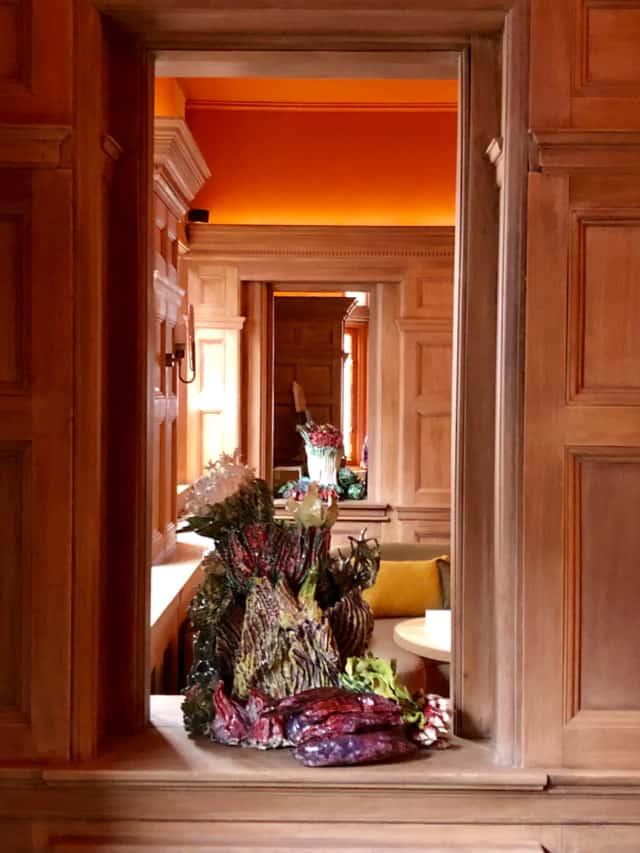 Folie potagère 2019, Installation céramiques, Le-connaught, Londres Restaurant Hélène Darroze, ©Bachelot&Caron