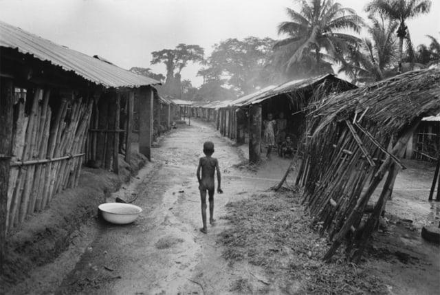 La famine, Sécession de la province du Biafra, Nigéria, juillet 1968, GC-9510_19A ©Fondation Gilles Caron