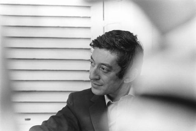 """Jane Birkin et Serge Gainsbourg tournent """"Slogan"""" de Pierre Grimblat, Paris, juin 1968, GC-9165-31 ©Fondation Gilles Caron"""