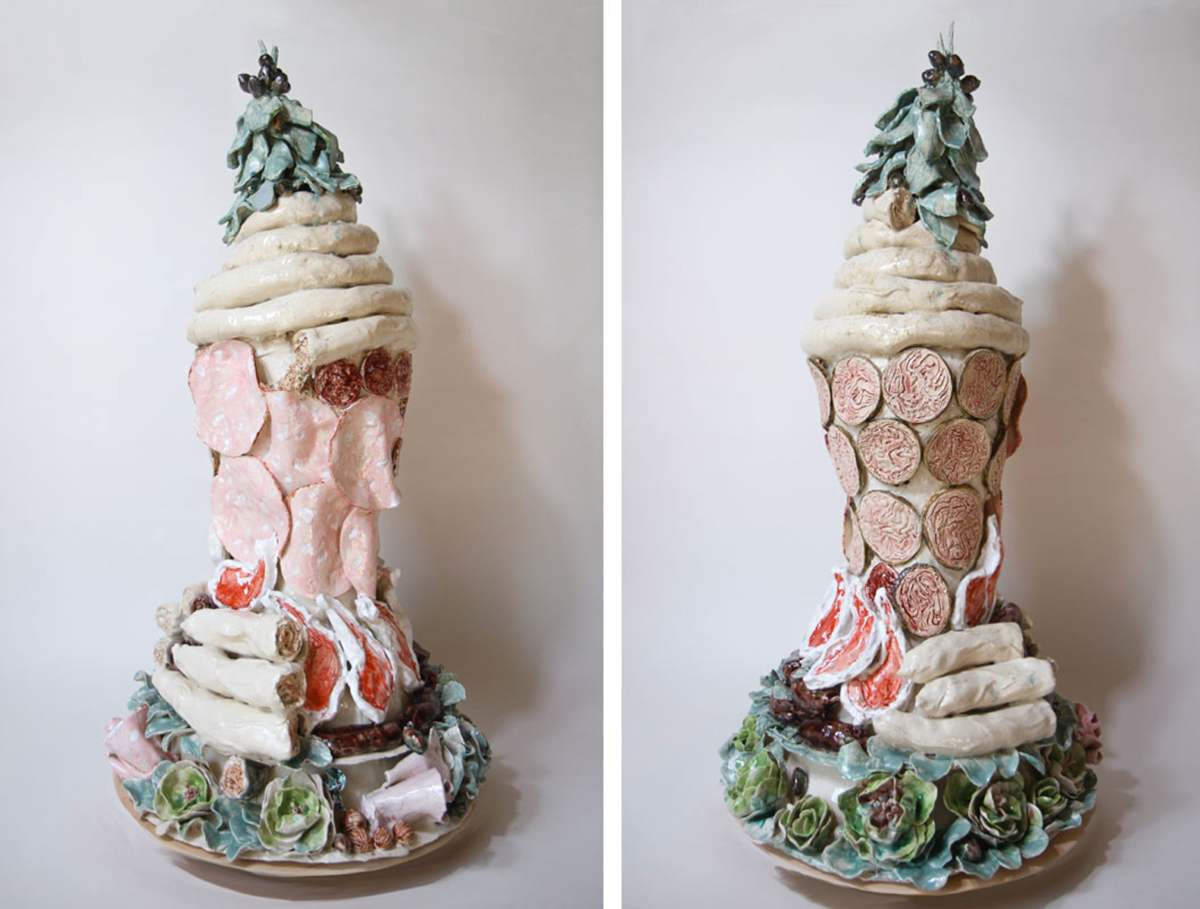 Gâteau de charcuterie et côtes d'agneau, 2020 Céramique 83 x 43 cm, BC-2007 ©BACHELOT&CARON