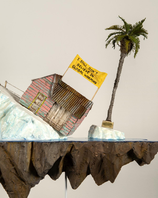 I still don't believe in global warming, 2019 (détail) Sculpture technique mixte 60 x 20 x 52 cm LF1910 ©LA FRATRIE ©Photographie S. Gladieu
