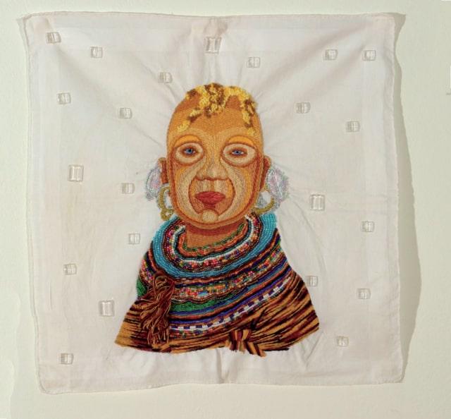 Los Herederos 2B Broderie à la main, fil de coton, rayon et appliques sur mouchoir d'homme ©CHIACHIO&GIANNONE