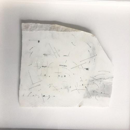 Principio transfer, 1978, Dessin sur marbre statuaire et papier dans un cadre en bois, 55 x 52 x 6 cm, MO-19014 ©Marie Orensanz