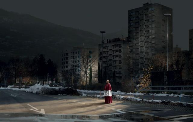 Priest, série My Sentimental Archives, 2011 photographie pigment print, 130 x 205 cm édition 8 + 2 EA ©Nicolas Dhervillers