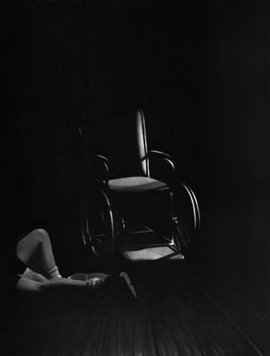 Les limites du monde, 2019 Dessin à la pierre noire sur papier 50 x 65 cm, RT949 ©Raphaël Tachdjian