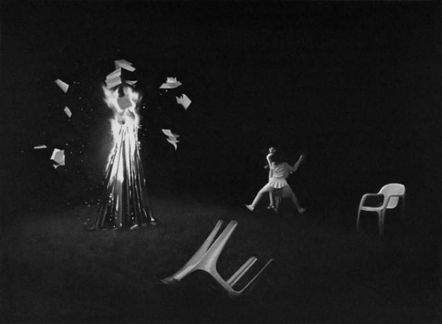 Elles écoutent la ville tombée II, 2019 Dessin à la pierre noire sur papier 50 x 65 cm, RT953 ©Raphaël Tachdjian