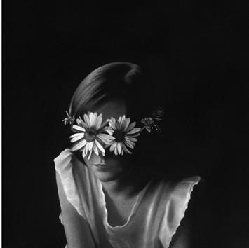 Anne 2017 Dessin à la pierre noire sur papier 69,8 x 63,5 cm, RT917 ©Raphaël Tachdjian (collection privée)