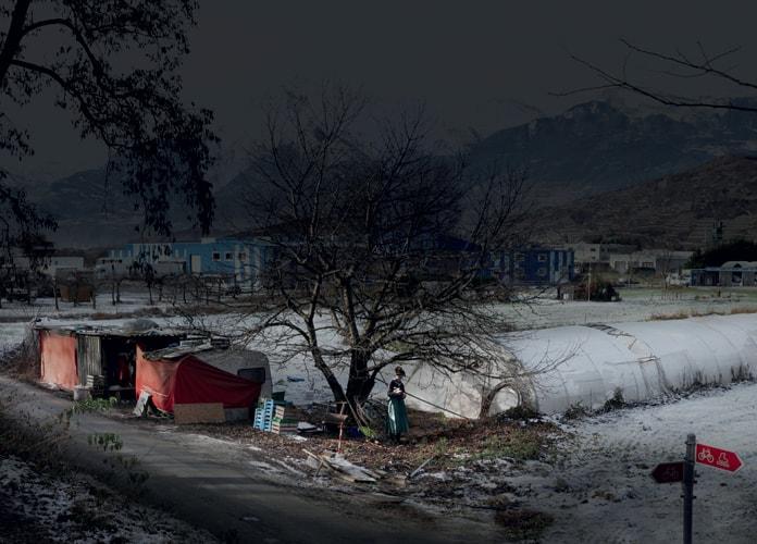 Red Home, série My Sentimental Archives, 2011 photographie pigment print, 115 x 160 cm édition 8 + 2 EA ©Nicolas Dhervillers