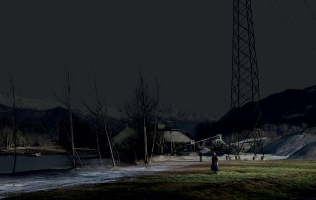 Separation, série My Sentimental Archives, 2011 photographie pigment print, 130 x 205 cm édition 8 + 2 EA ©Nicolas Dhervillers