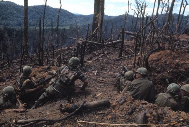 Guerre du Vietnam, Dak To, colline 875, novembre 1967, GC-V5 ©Fondation Gilles Caron