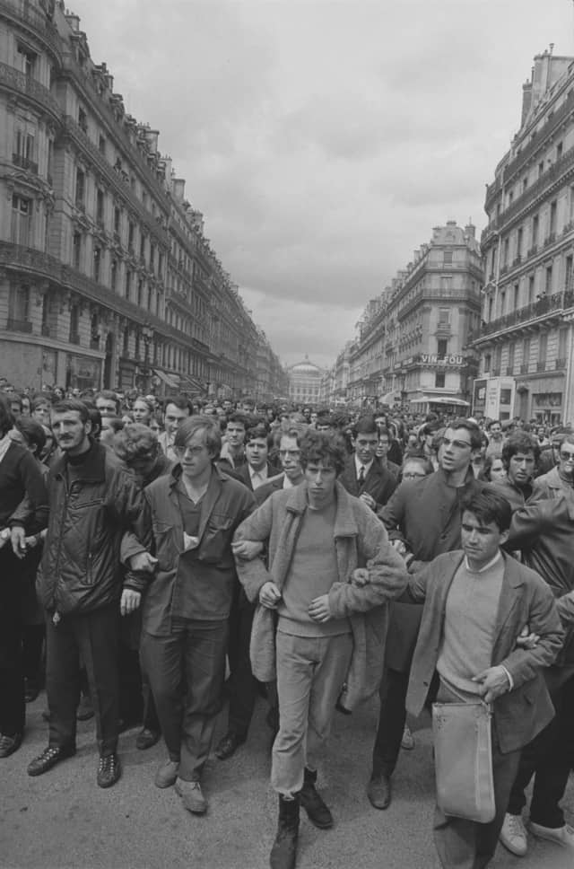 Manifestants avenue de l'opéra, Paris 6 mai 1968, GC-08073-27 ©Fondation Gilles Caron
