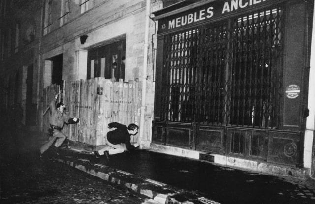 Rue du vieux Colombier, Paris, 6 mai 1968, GC-NC-12 ©Fondation Gilles Caron
