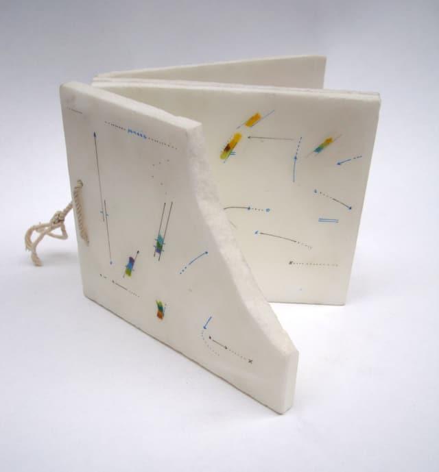 Livre de marbre Dessin sur marbre ©Marie Orensanz