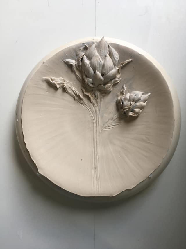 Assiette Artichaut en porcelaine ©Virginie Boudsocq