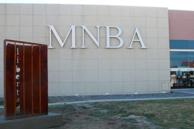 Libertad, 2014 (Liberté) Bronze perforé au jet d'eau Musée National des Beaux Arts de Neuquen, Argentine 200 x 120 cm ©Marie Orensanz