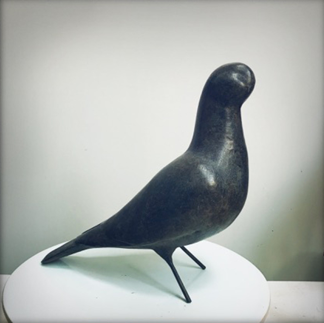 Pigeon Sculpture en bronze ©Denis Polge