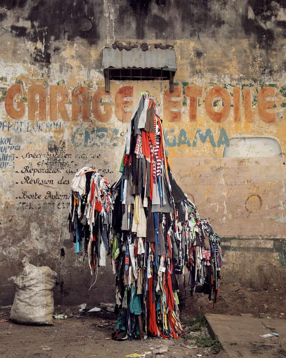Untitled #15, 2020 Homo Detritus, Real Portraitik #5 Kinshasa, RDC ©Stephan Gladieu