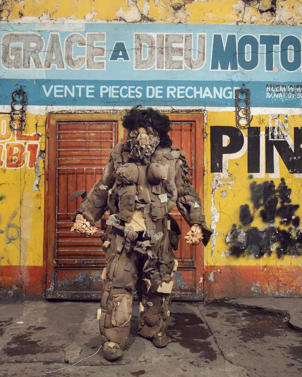 Untitled #16, 2020 Homo Detritus, Real Portraitik #5 Kinshasa, RDC ©Stephan Gladieu
