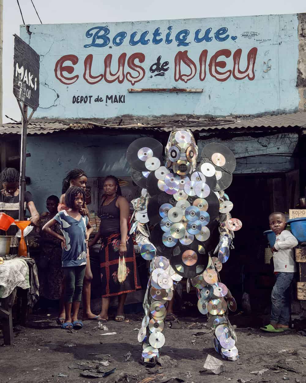 Untitled #17, 2020 Homo Detritus, Real Portraitik #5 Kinshasa, RDC ©Stephan Gladieu