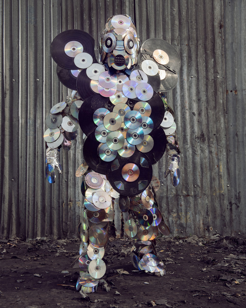 Untitled #18, 2020 Homo Detritus, Real Portraitik #5 Kinshasa, RDC ©Stephan Gladieu