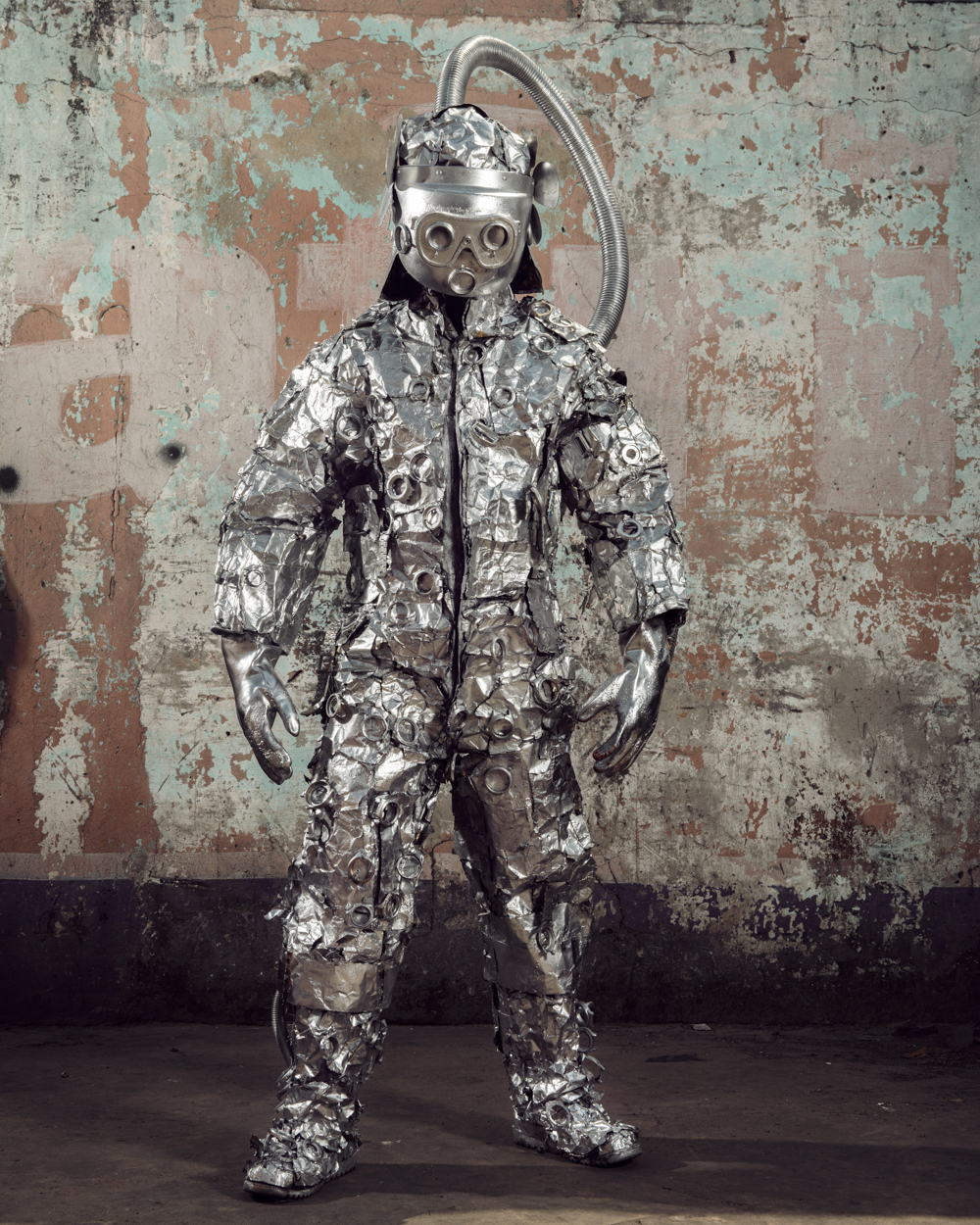 Untitled #12, 2020 Homo Detritus, Real Portraitik #5 Kinshasa, RDC ©Stephan Gladieu