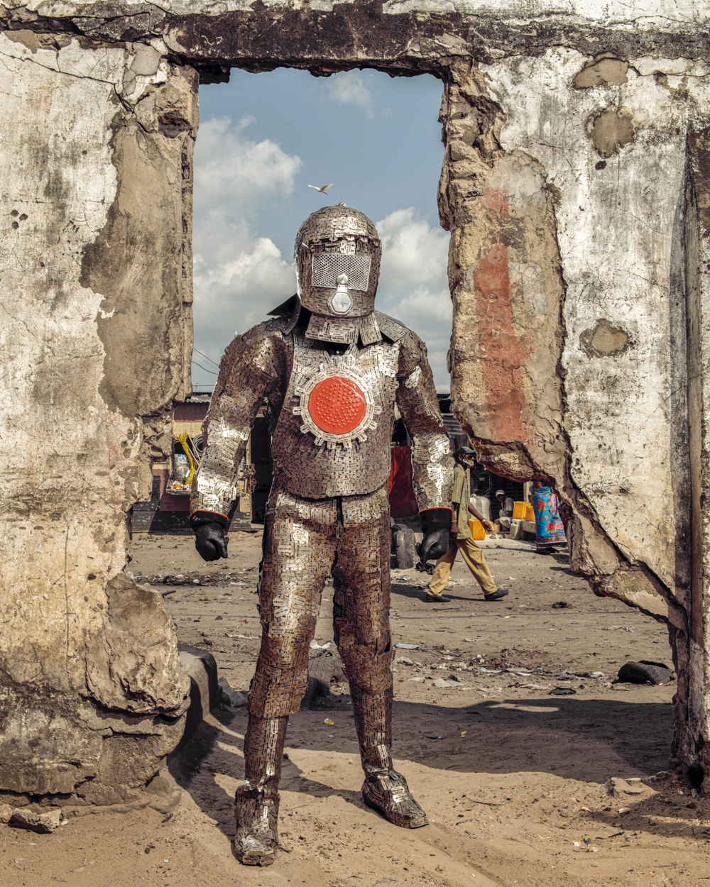 Untitled #13, 2020 Homo Detritus, Real Portraitik #5 Kinshasa, RDC ©Stephan Gladieu