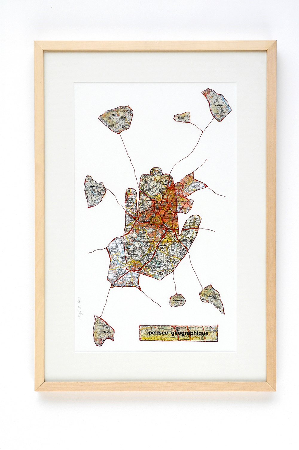 Pensée géographique, 2003/06 Carte géographique cousue sur papier 57 x 40 cm ©Naji Kamouche