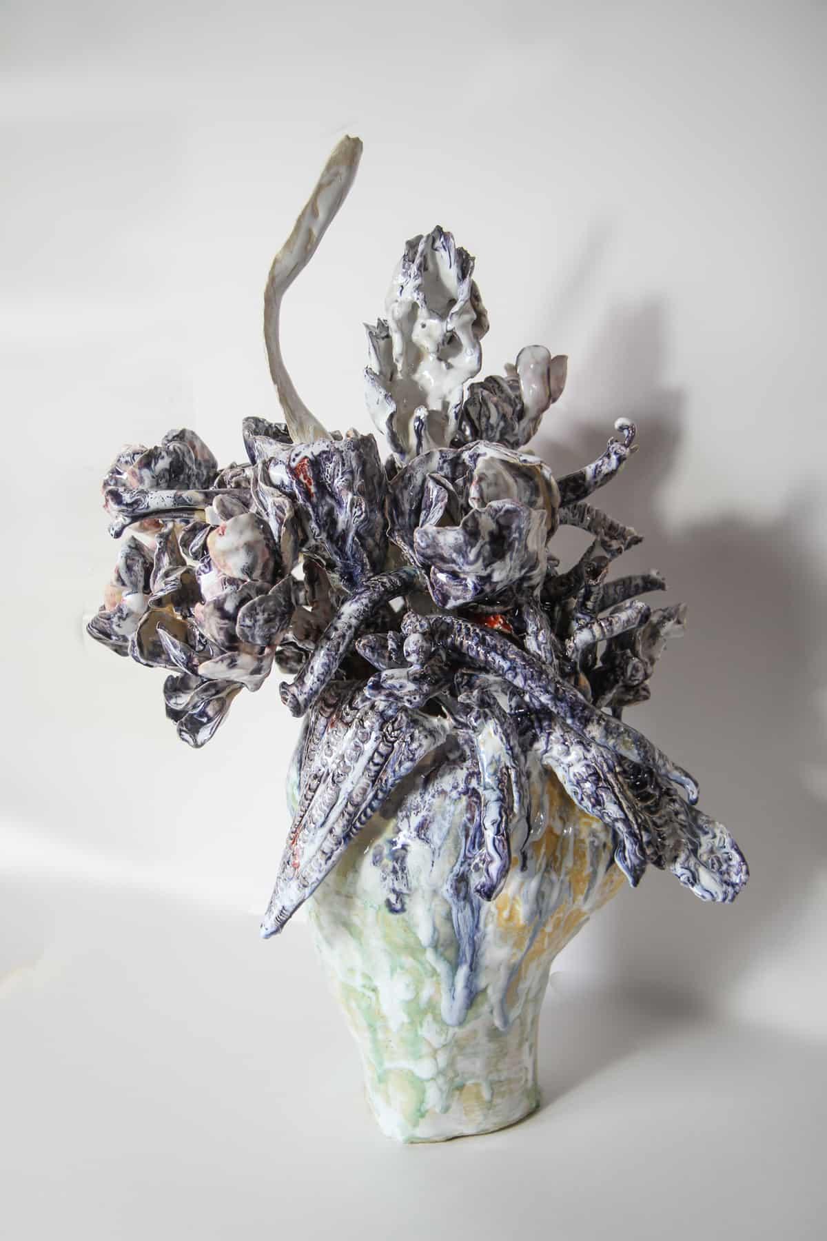 Bouquet violet, 2019 Céramique 45 H x 42 diam cm, BC-1925 ©BACHELOT&CARON